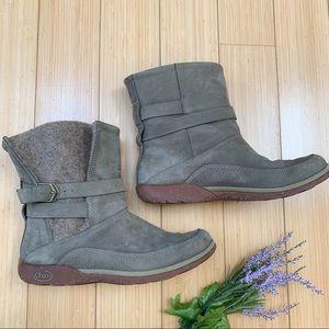 CHACO Hopi tan/green boots, 8.